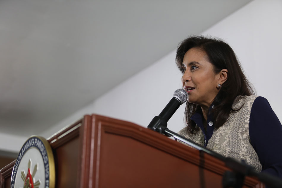 Palace hits back at Robredo: No problem with the economy