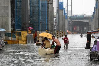 Metro Manila, ilang karatig-lalawigan, binaha dahil sa habagat