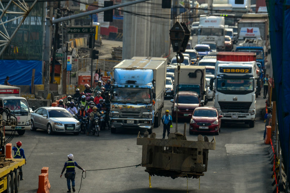 Govt infra spending at P352.7B in first half, up 42 percent 1