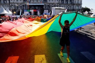 Colorful parade opens 10th Gay Games in Paris