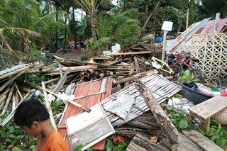 18 bahay sinira ng malakas na alon sa Oton, Iloilo