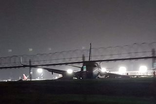 Chinese passenger plane goes off NAIA runway
