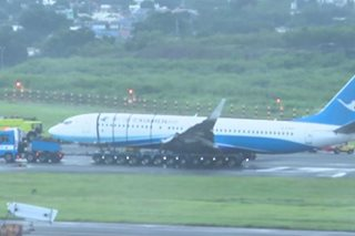 Stalled Chinese plane out of NAIA runway