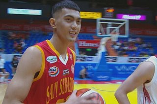 WATCH: San Sebastian's Ken Villapando gets crowd to laugh in NCAA slam-dunk contest