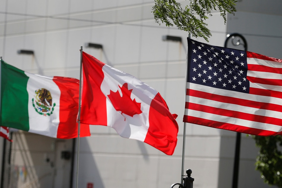 Trump threatens to exclude Canada from new NAFTA deal