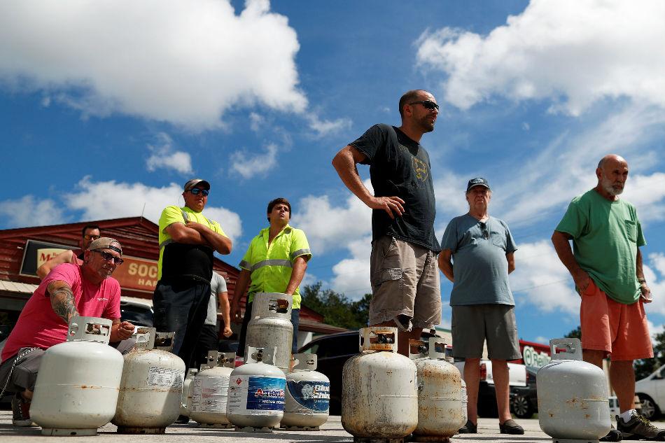 More than 1 million under evacuation as Hurricane Florence nears Carolinas 1