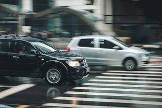 Kaninong pananagutan kung mabangga ang pedestrian sa maling tawiran?