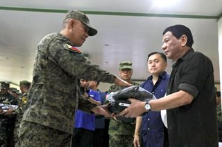 Duterte visits soldiers in Sulu
