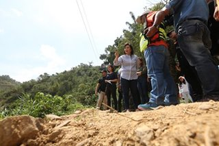 Robredo visits 'ground zero' in Itogon, meets rescuers