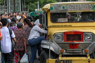 Jeepney drivers get 3-year window to modernize units