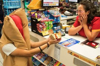 Cokes, smokes and clicks: How corner stores cash in on Mexican e-commerce