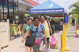 Mga turistang dumating sa Boracay, kakaunti