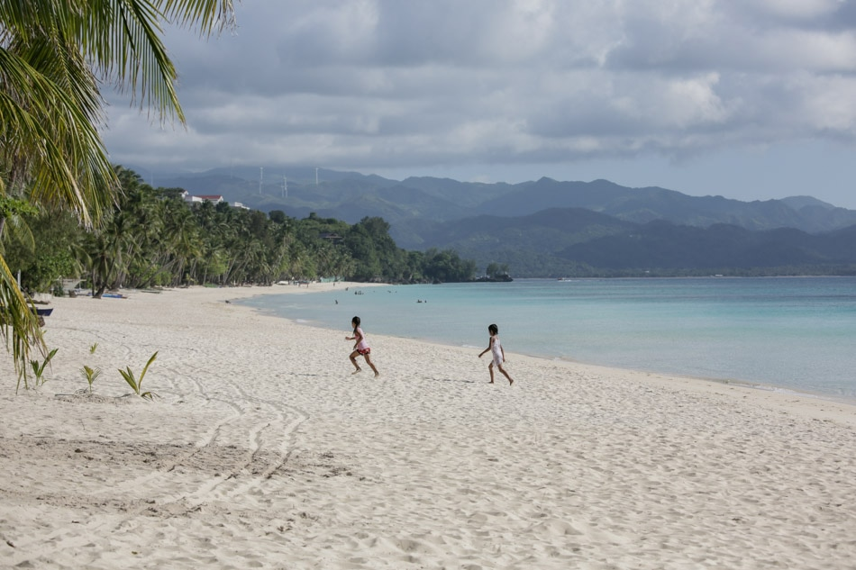 Local official confirms Chinese workers, businesses operating in Boracay