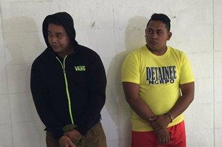 2 pulis na nanggahasa umano sa loob ng mobile, arestado