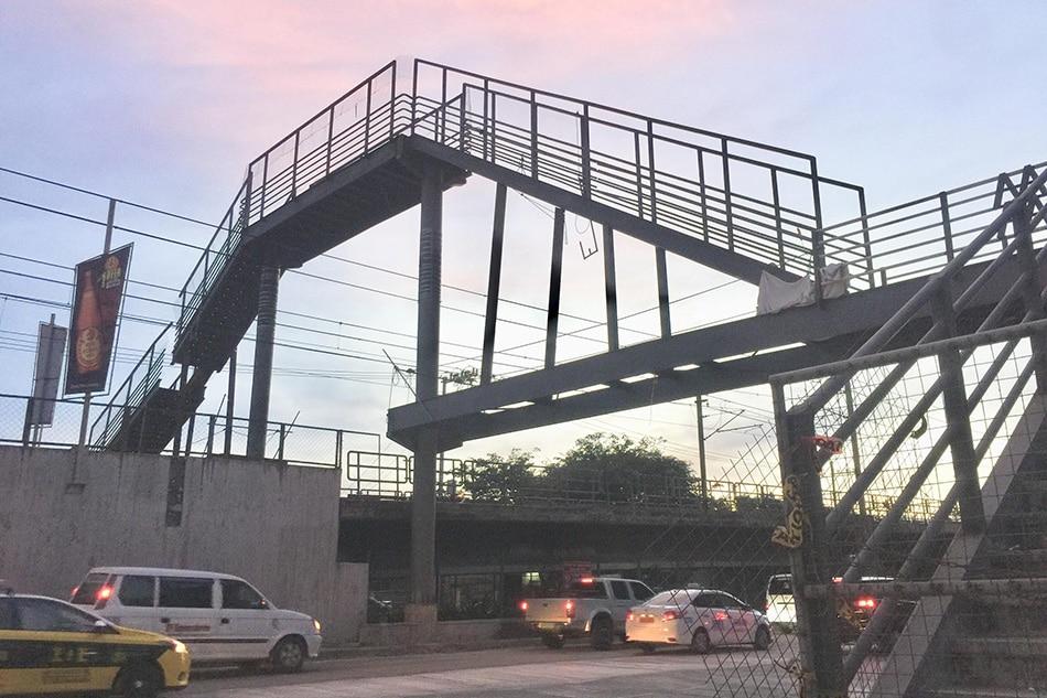 MMDA redesigns viral 'stairway to heaven' EDSA footbridge 1