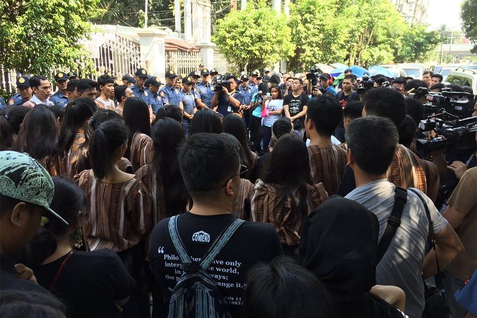 Pag-alis ng Filipino at panitikan sa kolehiyo, inapela 1