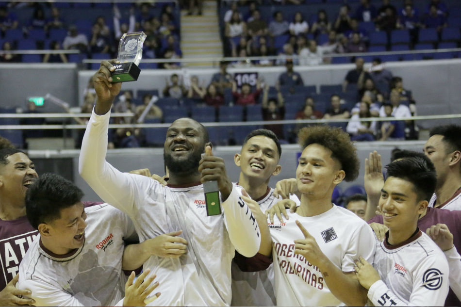 UAAP: Ahead of clash, MVP Akhuetie and top rookie Kouame receive