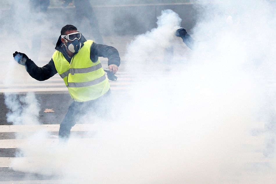 Yellow Vest Protesters Across France Exceed 38,000