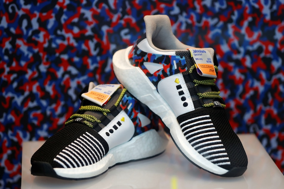 5825bfa685cf Subway-themed sports shoes are just the ticket for Berliners