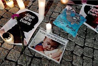 'My gladiator lay down his shield': Toddler Alfie Evans dies in Britain