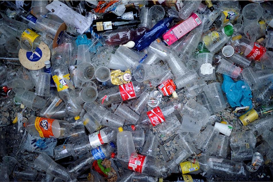 Southeast Asia's plastic 'addiction' blights world's oceans 2