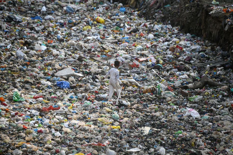 India pledges to ban all single-use plastic by 2022
