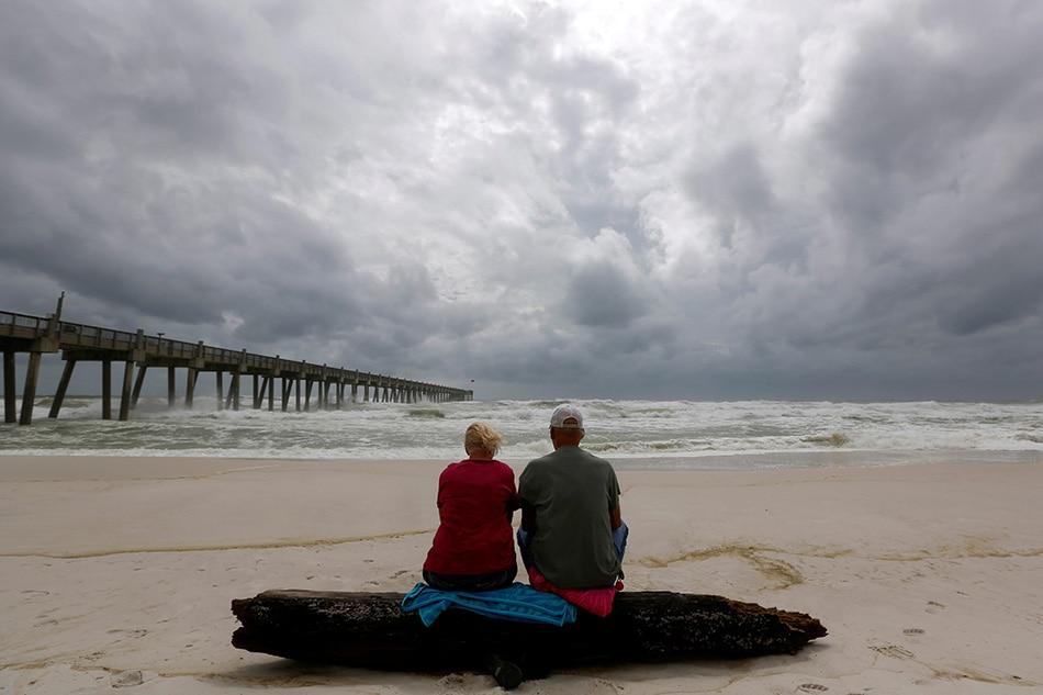 Hurricane Michael strengthens, Florida panhandle braces 1