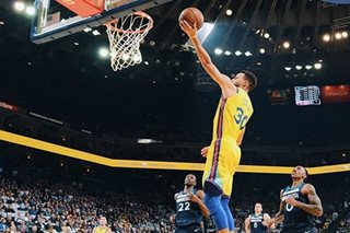 NBA: Warriors rain down treys in rout of Wolves