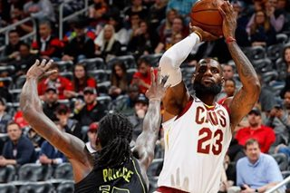 NBA: James' triple-double, Korver's 30 points lead Cavs past Hawks