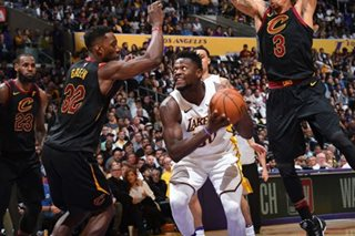 Randle, Lakers stomp Cavs