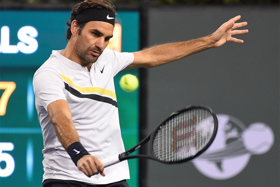 Federer fends off Chardy at Indian Wells