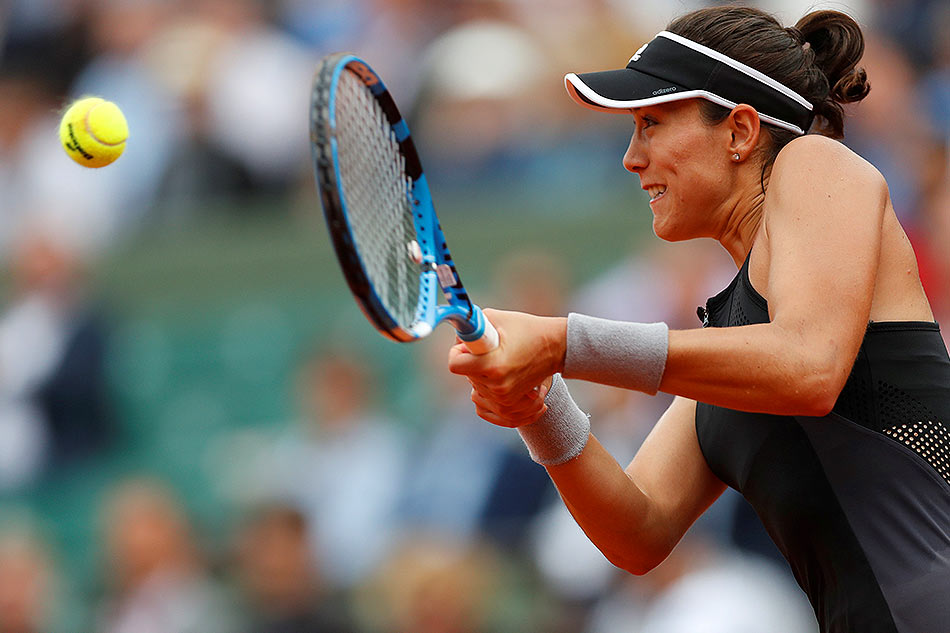 French Open 2018: Muguruza dumps Sharapova to reach semis