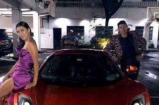 A very fancy night out: Kiefer, Alyssa drive to ball in luxury sports car