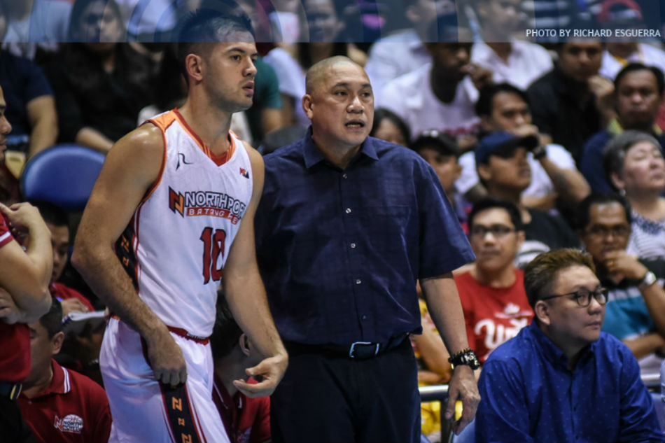 Coach Pido sa sagutan nila ni Phoenix import Howell: 'Siya ang nauna' 1