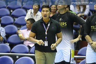 UAAP: Aldin Ayo to simultaneously serve as head coach in UST and MPBL