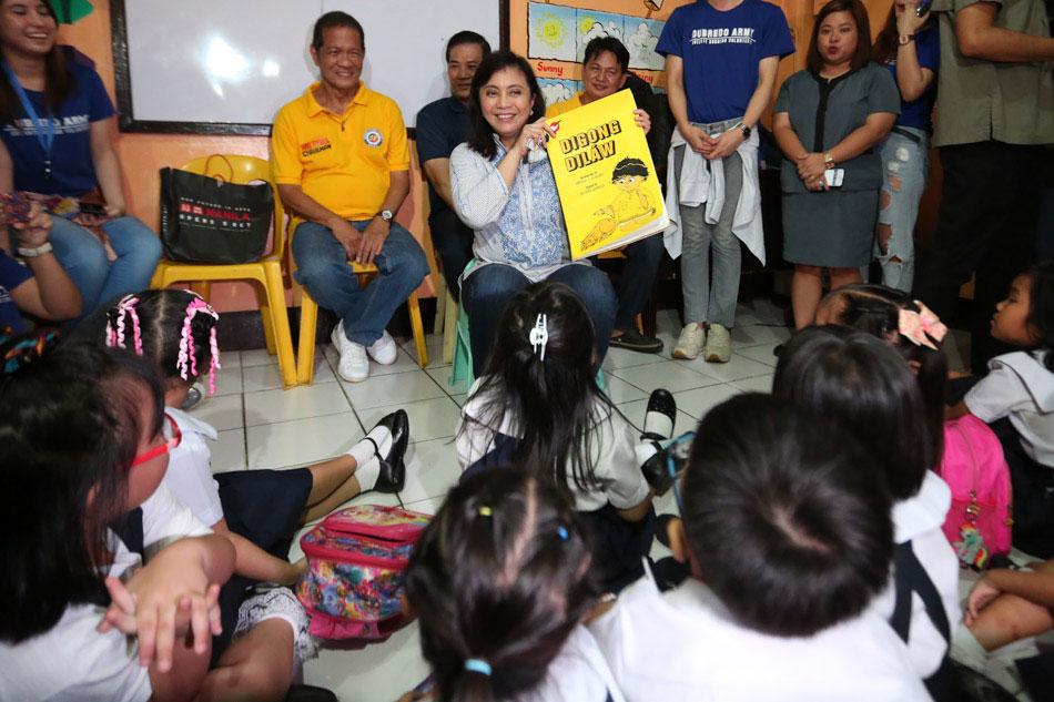 VP Leni reads 'Digong Dilaw' to kids