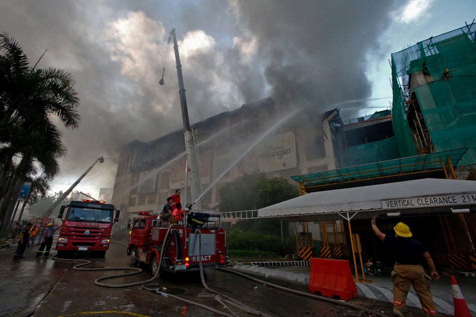 fire hits metro ayala center cebu abs cbn news