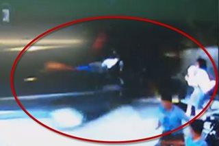 SAPUL SA CCTV: Mag-ina, nabundol ng humaharurot na van