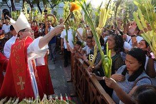 Mga Katoliko, dagsa sa mga simbahan para sa Palm Sunday