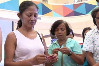Ilang na-'Yolanda,' tuloy sa paghahanap ng mapagkakakitaan
