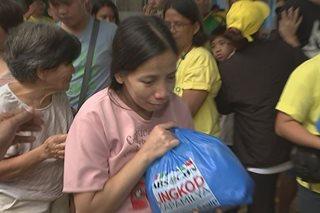 Food, relief packs ipinamahagi sa Marikina evacuees