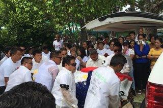 Pinaslang na mayor ng Ronda, Cebu, inilibing na