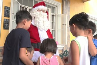 Panadero suma-sideline bilang Santa Claus tuwing Pasko