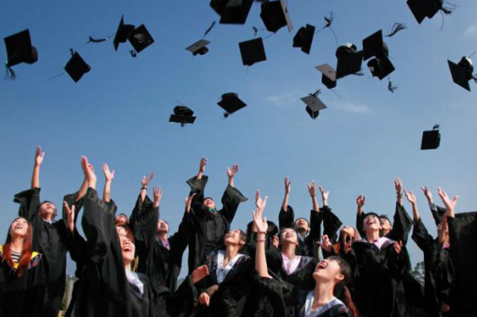 3 ways to thank your parents this graduation season