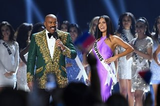 Gazini Ganados meets Steve Harvey at 2019 Miss Universe