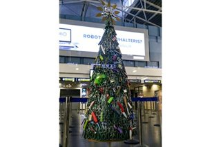 LOOK: 'Tree of knives' displays Vilnius airport contraband