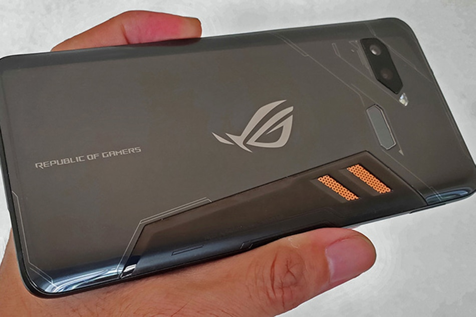 Asus' ROG phone is more than just for gaming | ABS-CBN News