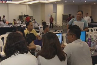 Filipinos rush to beat income tax filing deadline