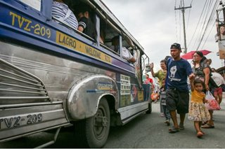 Senators grill DOTr for 'hodgepodge' jeepney modernization target plan