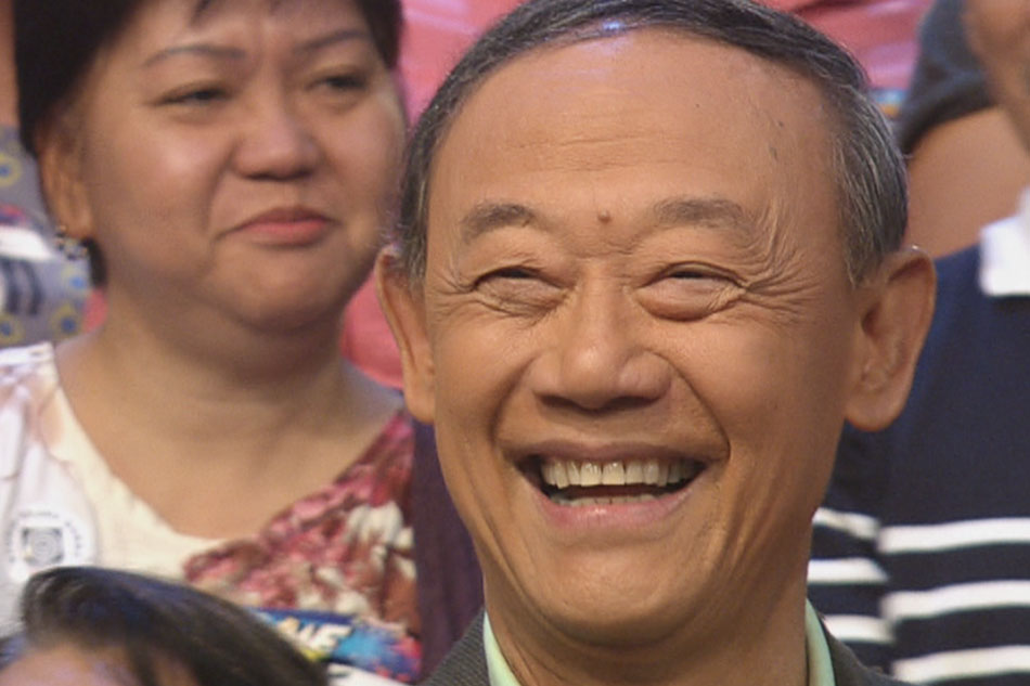 Jose Mari Chan performs Christmas hit on 'It's Showtime'